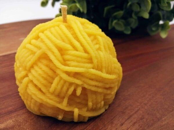Yarn beeswax candle (3)