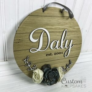 CNS011 - Shiplap Wood Flower Family Name Sign 3