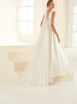 Cathedral-Glitter-Tulle-Veil-1-2.jpg