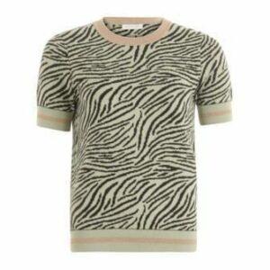 coster-copenhagen-knit-blouse-in-zebra-pattern-3_2048x