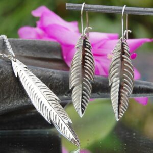 Feather pendant and earring set 2 (640x614) (2)
