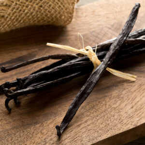 Bundle,Of,Tied,,Dried,Bourbon,Vanilla,Beans,Or,Pods,On