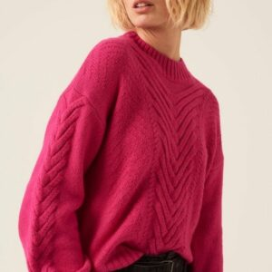 bright_pink_pullover_front_garcia_boutique_with_online_stylist_ireland